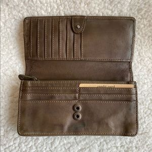 """NEW Olive Green Harbour 2nd  Leather Wallet 7x3.5"""""""